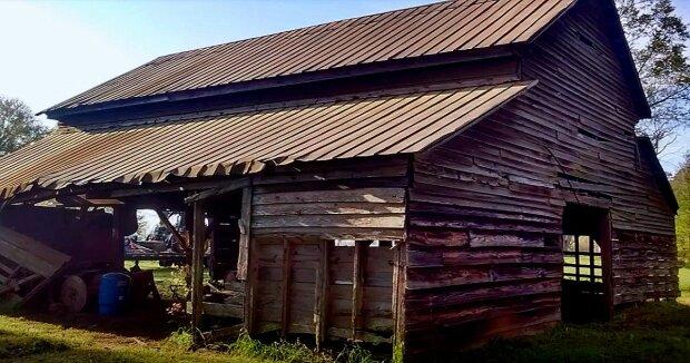 Screenshot: YouTube / Old South Barns