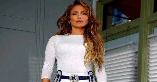 Screenshot: YouTube / Jennifer Lopez