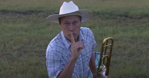 Screenshot: YouTube / Farmer Derek