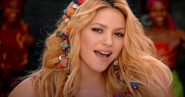 Screenshot: YouTube / Shakira